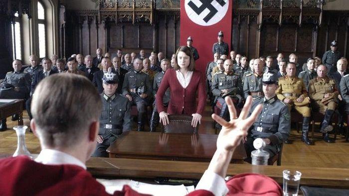 Sophie Scholl: The Final Days (Sophie Scholl: Die letzten Tage) Poster